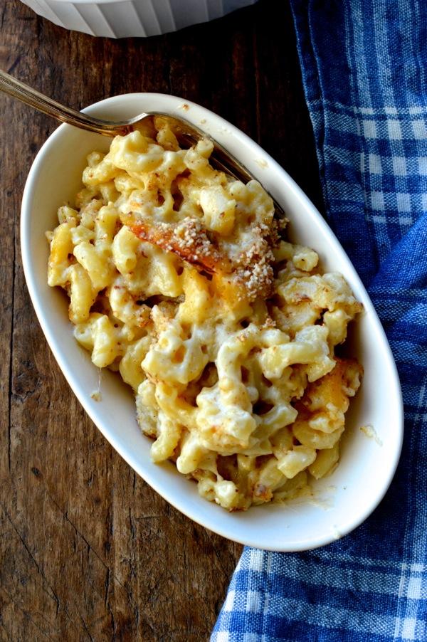 almond-crusted-macaroni-cheese-7