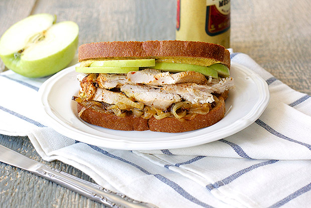 roasted_turkey_sandwich_onion_apple_recipe